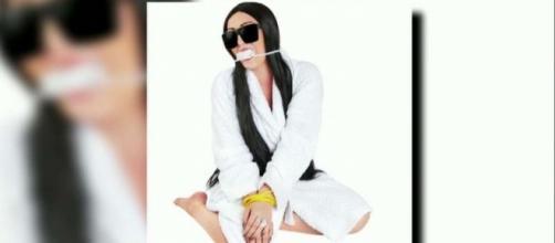 Kim Kardashian Halloween costume disturbing! Photo: Fox News via 'Parisian Heist Robbery Victim Costume' (Picture by: Costumeish)