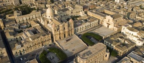 Vista aerea di Noto, al centro piazza Municipio