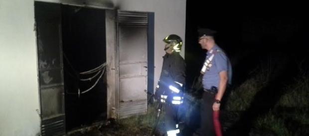 Attentato incendiario contro l'ex scuola di polizia che diventerà centro di accoglienza migranti