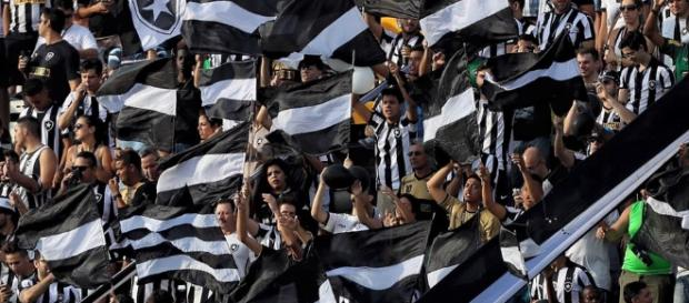 Botafogo x Internacional: assista ao vivo na TV e online