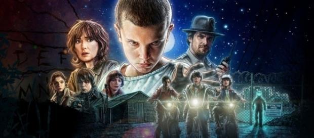 """El estilo """"retro ochentero"""" del cartel principal de """"Stranger Things"""" muy parecido a los poster de la primera trilogía de Star Wars."""