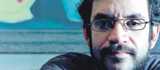 Fãs prestam homenagens nos 20 anos sem Renato Russo