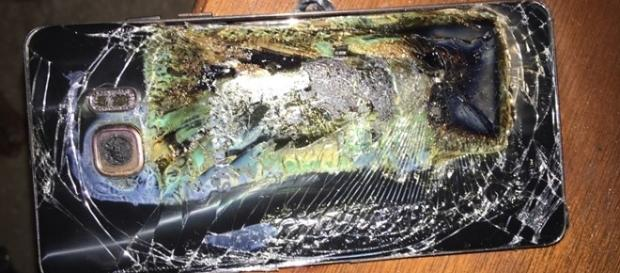 Galaxy Note 7 após combustão. Foto tecmundo - com.br