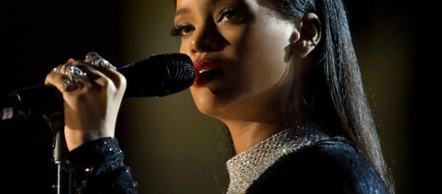 Rihanna e Drake si sono lasciati. Colpa di una top model?