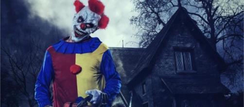 La mania dei killer clown colpisce anche l'Inghilterra.