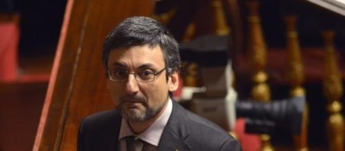 Ultime notizie scuola, mercoledì 12 ottobre 2016: il senatore Fabrizio Bocchino