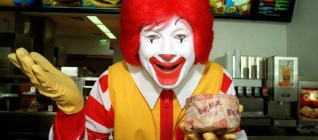 Com o surgimento de palhaços, o McDonald's toma uma medida radical