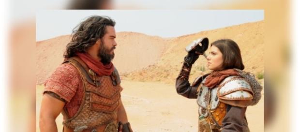 Josué fica surpreso ao ver que Aruna é o 'Soldado Mascarado'