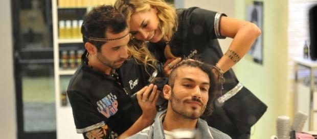 Mariano Coppola diventa cavia per i parrucchieri Elenoire ... - fanpage.it