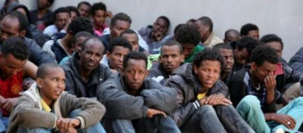 Nielegalni imigranci w Szwecji dopuszczają się coraz poważniejszych przestępstw.