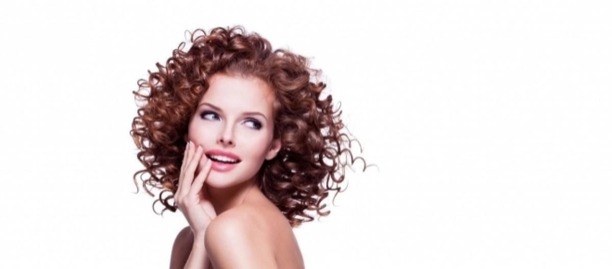 Moda tagli capelli autunno inverno 2017  gli haircuts corti e lunghi più  cool e trendy 97358d3a4ab