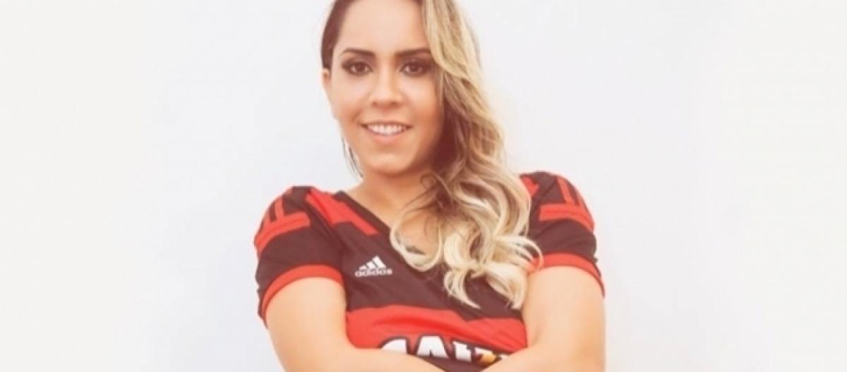 23f7e0a03e Amor rubro-negro  Mulher Melão posa para ensaio sensual inspirado no  Flamengo