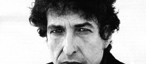 ♫ COMO BOB DYLAN VIO SU MUERTE Y A ELVIS | Archivos musicales ... - plasticosydecibelios.com