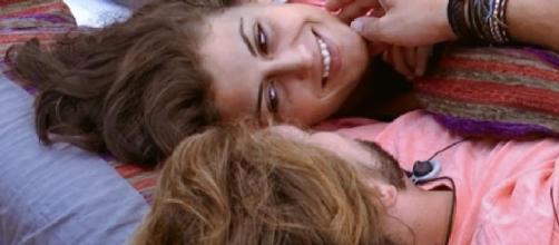 Fer y Clara han tenido algo más que palabras, según Bea y Rodri