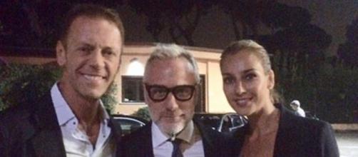 Gianluca Vacchi con Rocco Siffredi e la moglie dell'attore hard