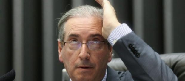 Cunha é agredido em aeroporto por senhora revoltada