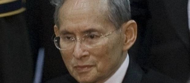 Le roi thaïlandais Bhumibol Adulyadej (Rama IX) en 2010
