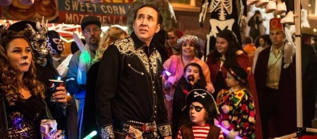 Una scena del film Pay the Ghost con protagonista il premio Oscar Nicolas Cage