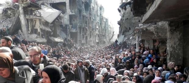 Yarmuk Refugee Camp and the Syrian Uprising: A View from Within ... - palestine-studies.org