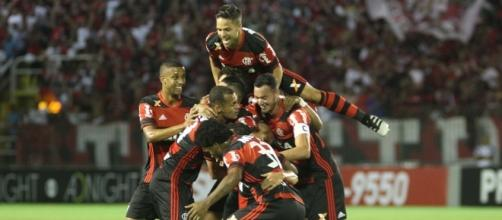 Flamengo agora pensa no Internacional, no Beira-Rio, enquanto o Palmeiras mira o Figueirense, no Orlando Scarpelli (Foto: Gilvan de Souza/Flamengo)