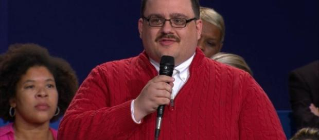 Ken Bone's Red Sweater Captivates Internet's Attention at Town ... - go.com