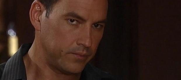 Laura puts Nik's family home up for sale - via 'General Hospital' YouTube