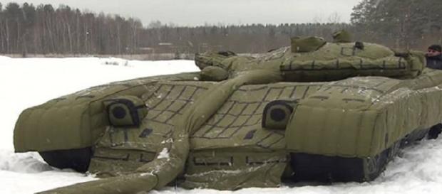 Tanque inflável russo, que será utilizado para despistar adversário.