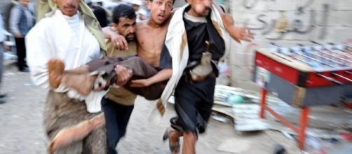 Iémen: seis mortos e dezenas de feridos em manifestação > TVI24 - iol.pt