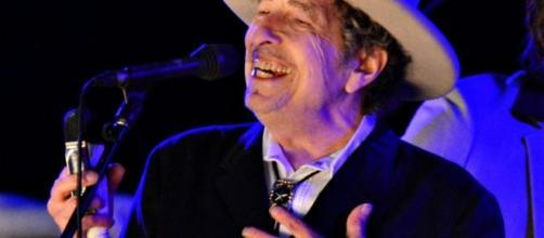 Nobel Letteratura 2016 Bob Dylan non pronuncia mezza parola in merito