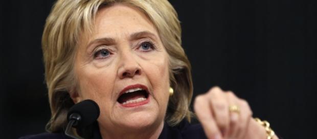 Według doniesień Wikileaks, Clinton kłamała przed komisją Kongresu (foto: pbs.org)