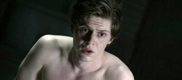 Image - Evan-Peters-and-Joseph-Fiennes-in-American-Horror-Story ... - wikia.com