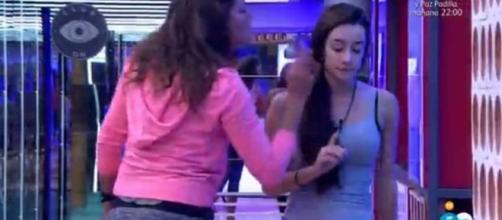 Gran Hermano 17:¡Brutal enfrentamiento! Clara le dice a Adara 'te las comes de dos en dos'.