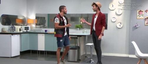 Pol y Miguel en el apartamento