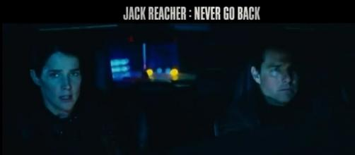 Tom Cruise (Jack Reacher) et Susan Turner (Cobie Smulders) dans Jack Reacher 2