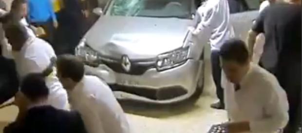 Brasile, incidente auto in un parcheggio