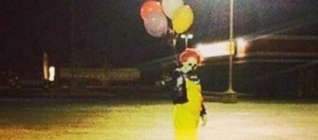 Creepy Clown Sightings Spread Across Nation - ABC News - go.com