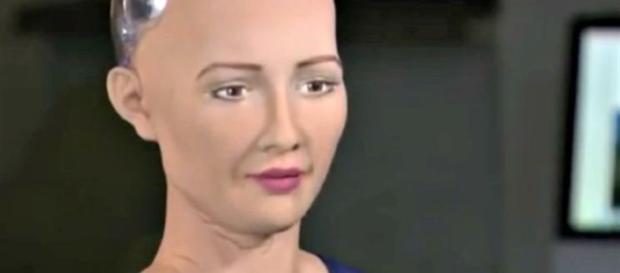 Imagem da robô que pensa que é gente