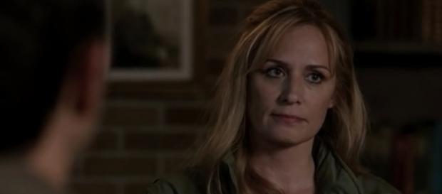 """Mary Winchester (Samantha Smith) in """"Supernatural""""/Photo via screencap, """"Supernatural"""""""