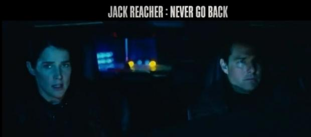 Tom Cruise (Jack Reacher) et Susan Turner (Cobie Smulders) dans Jack Reacher 2