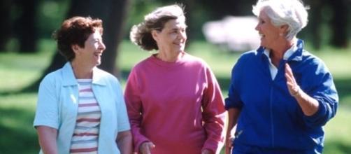 L'esercizio di resistenza e la dieta ipocalorica riducono il colesterolo.