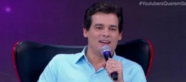 Celso Portiolli faz revelações surpreendentes no 'Programa Raul Gil'