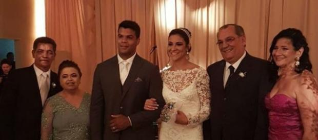 Em Recife nadadora Joanna Maranhão se casa com judoca Luciano Corrêa