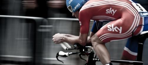 David Millar in azione con il body della Gran Bretagna ai mondiali di ciclismo 2011