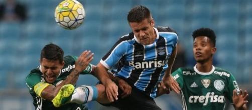 Em Porto Alegre, no jogo de ida, deu Grêmio, com vitória de 2 a 1