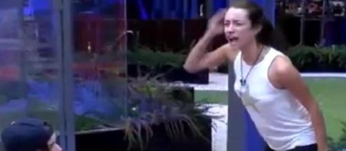 GH17: ¡La reacción de Adara al enterarse de la declaración de Miguel a Pol!