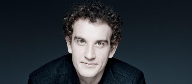 German bass Tareq Nazmi appears at Carnegie Hall Monday, Oct. 24. Photo © Marco Borggreve, courtesy of artist, used with permission.