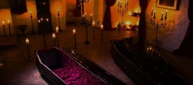 Halloween dream: Pair of lucky guests get to spend a night in ... - yahoo.com