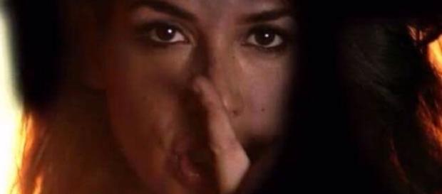 La scena del video promo della nuova serie di Rosy Abate