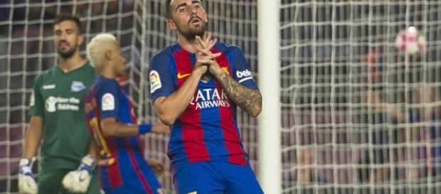 Paco Alcácer se lamenta de una ocasión fallada