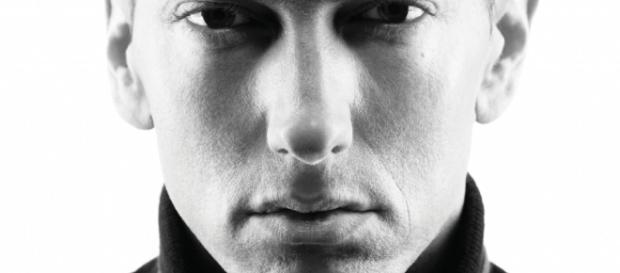 Eminem critica candidato republicano em nova música